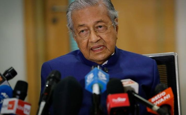 Social media outburst against former Malaysian PM Mahathir for targeting Kashmir