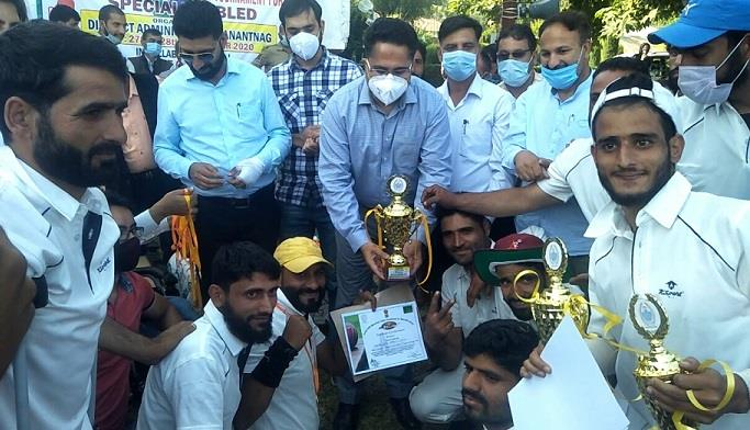 ##  J&K: Cricket tournament for specially-abled culminates at Anantnag ##