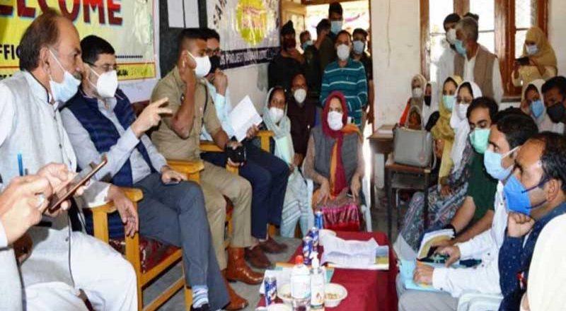 J&K: District Commissioner Budgam addresses grievances of panchayats under B2V3