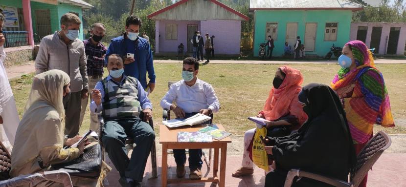 J&K: District Commissioner Anantnag visits various Panchayats under B2V3