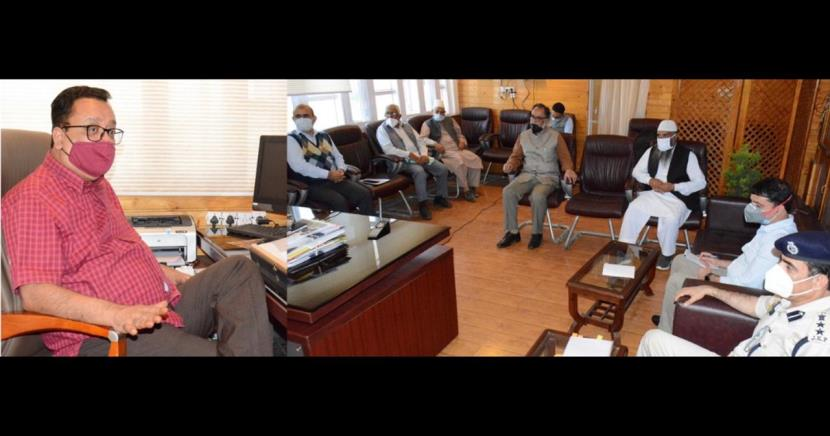 ##  J&K: Navin Choudhary reviews arrangements for transportation of fruit crops ##