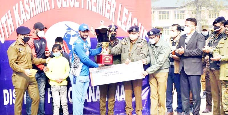 J&K: Anantnag Gladiator wins South Kashmir Police Premier League