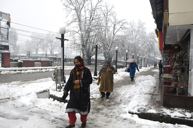 Post snowfall, power restored in entire Kashmir in just 6 hours