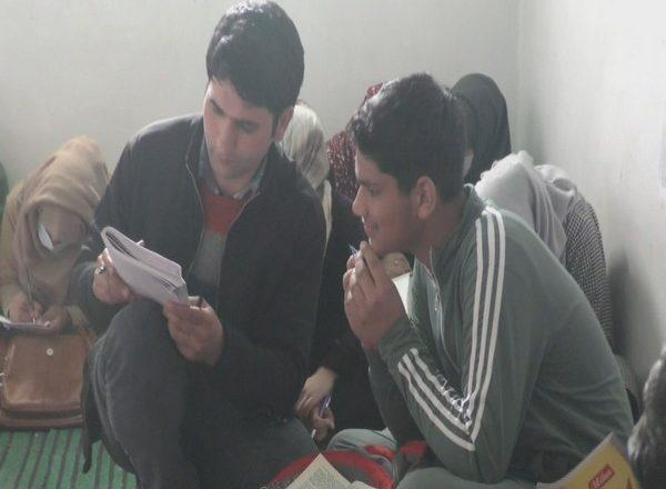 J&K: Kashmiri teacher starts calligraphy institute to revive art