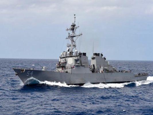 US Navy crosses Taiwan strait, despite China protests.