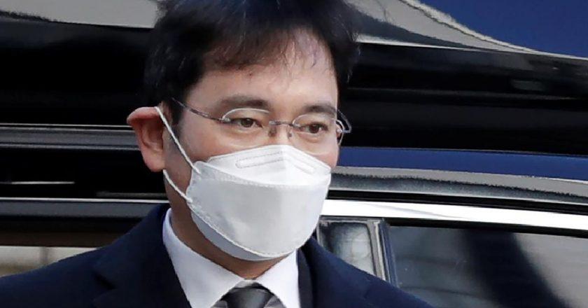 Samsung thrives as Seoul mulls pardon of corporate heir