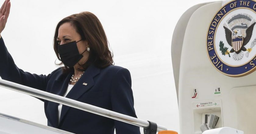 Harris meets with Singapore officials to begin Asia visit